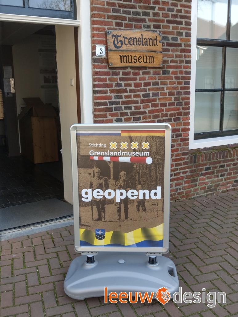 Stoepbord Grenslandmuseum